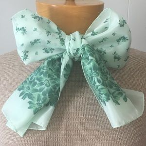 Adorable Vintage Mint Green Scarf Made in Italy